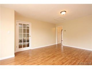 Photo 11: 2296 Edgelow St in VICTORIA: SE Arbutus House for sale (Saanich East)  : MLS®# 609935