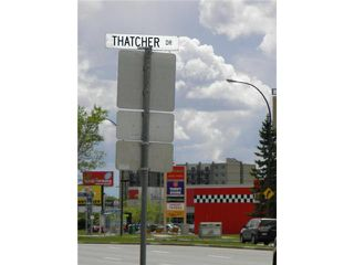 Photo 5: 2124 Pembina Highway in WINNIPEG: Fort Garry / Whyte Ridge / St Norbert Residential for sale (South Winnipeg)  : MLS®# 1214535