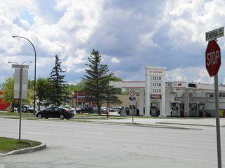 Photo 3: 2124 Pembina Highway in WINNIPEG: Fort Garry / Whyte Ridge / St Norbert Residential for sale (South Winnipeg)  : MLS®# 1214535