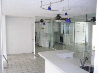 Photo 4: PACIFIC BEACH Condo for sale : 2 bedrooms : 1775 Diamond Street #304