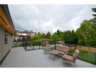 Photo 9: 125 W KINGS Road in North Vancouver: Upper Lonsdale House for sale : MLS®# V992772