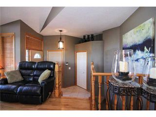 Photo 2: 359 SUNLAKE Road SE in CALGARY: Sundance Residential Detached Single Family for sale (Calgary)  : MLS®# C3577180