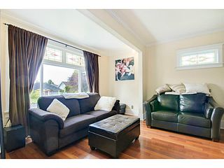 Photo 3: 341 E 58TH AV in Vancouver: South Vancouver House for sale (Vancouver East)  : MLS®# V1070002
