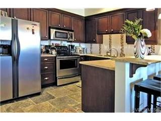 Photo 4: 309 1325 Bear Mountain Parkway in VICTORIA: La Bear Mountain Condo Apartment for sale (Langford)  : MLS®# 236379