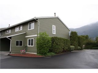 Photo 1: # 8 38397 BUCKLEY AV in Squamish: Dentville Townhouse for sale : MLS®# V1118936