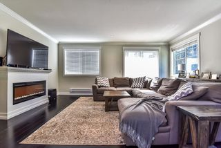 """Photo 3: 1 16458 23A Avenue in Surrey: Grandview Surrey Townhouse for sale in """"Essence At The Hamptons"""" (South Surrey White Rock)  : MLS®# R2394314"""