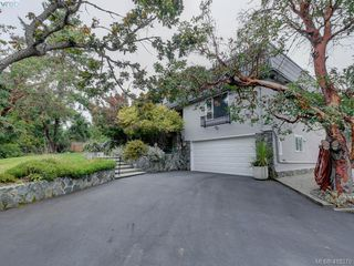 Photo 4: 3968 Tudor Avenue in VICTORIA: SE Ten Mile Point Single Family Detached for sale (Saanich East)  : MLS®# 416379