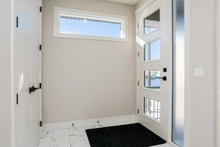 Photo 2: 12171 177 Avenue in Edmonton: Zone 27 House for sale : MLS®# E4178531