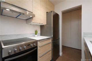 Photo 10: 426 964 Heywood Ave in VICTORIA: Vi Fairfield West Condo for sale (Victoria)  : MLS®# 833350