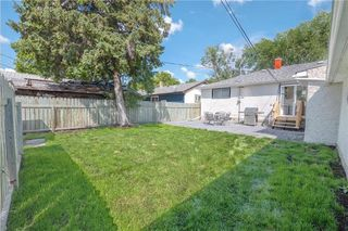 Photo 4: 220 Ralph Avenue West in Winnipeg: West Transcona Residential for sale (3L)  : MLS®# 202018300