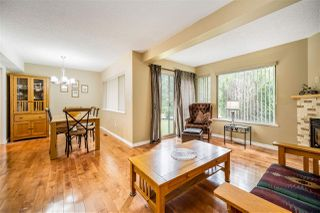 Photo 2: 1837 LILAC DRIVE in Surrey: King George Corridor Townhouse for sale (South Surrey White Rock)  : MLS®# R2476030