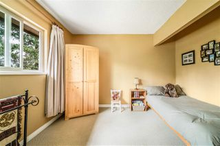 Photo 18: 1837 LILAC DRIVE in Surrey: King George Corridor Townhouse for sale (South Surrey White Rock)  : MLS®# R2476030