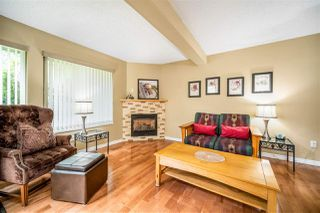 Photo 3: 1837 LILAC DRIVE in Surrey: King George Corridor Townhouse for sale (South Surrey White Rock)  : MLS®# R2476030