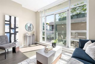 Photo 2: 509 1616 COLUMBIA STREET in Vancouver: False Creek Condo for sale (Vancouver West)  : MLS®# R2490987