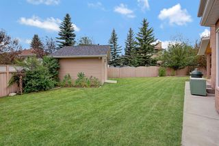 Photo 5: 23 Edgebrook Close NW in Calgary: Edgemont Detached for sale : MLS®# A1054479