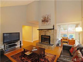 Photo 6: 2978A Pickford Road in VICTORIA: Co Hatley Park Strata Duplex Unit for sale (Colwood)  : MLS®# 304994