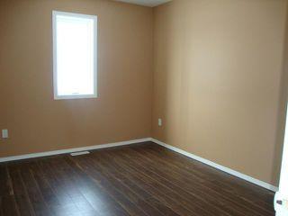 Photo 7: 482 FERRY Road in WINNIPEG: St James Residential for sale (West Winnipeg)  : MLS®# 1301693