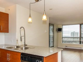 """Photo 4: 408 813 AGNES Street in New Westminster: Downtown NW Condo for sale in """"NEWS"""" : MLS®# V989175"""