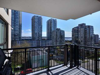 """Photo 2: 408 813 AGNES Street in New Westminster: Downtown NW Condo for sale in """"NEWS"""" : MLS®# V989175"""