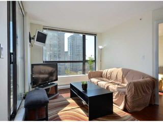 """Photo 7: 408 813 AGNES Street in New Westminster: Downtown NW Condo for sale in """"NEWS"""" : MLS®# V989175"""
