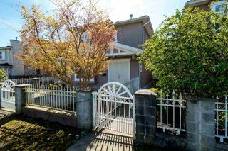 Photo 1: 4130 PANDORA STREET in Burnaby: Vancouver Heights House 1/2 Duplex for sale (Burnaby North)  : MLS®# R2051043