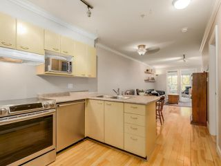 Photo 4: 208 3939 HASTINGS STREET in Burnaby: Vancouver Heights Condo for sale (Burnaby North)  : MLS®# R2078588