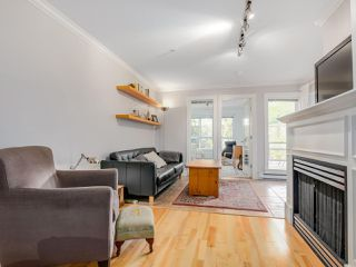 Photo 9: 208 3939 HASTINGS STREET in Burnaby: Vancouver Heights Condo for sale (Burnaby North)  : MLS®# R2078588