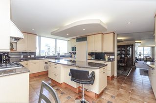 Photo 2: 7 1350 W 14TH AVENUE in Vancouver: Fairview VW Condo for sale (Vancouver West)  : MLS®# R2083018