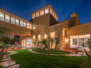 Main Photo: House for sale : 4 bedrooms : 4 Spinnaker Way in Coronado