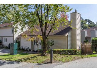 Photo 3: 6284 W GREENSIDE DRIVE in Surrey: Cloverdale BC Townhouse for sale (Cloverdale)  : MLS®# R2309776