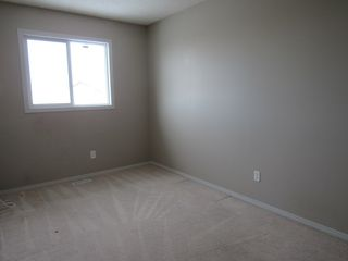 Photo 11: 16351 - 56 Street NW in Edmonton: House Duplex for rent