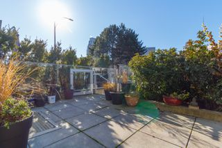 Photo 5: 105 373 Tyee Road in Victoria: Row/Townhouse for sale