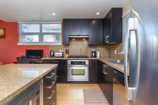 Photo 15: 105 373 Tyee Road in Victoria: Row/Townhouse for sale