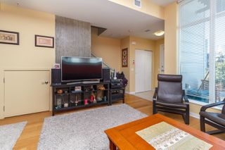 Photo 11: 105 373 Tyee Road in Victoria: Row/Townhouse for sale