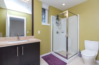 Photo 17: 105 373 Tyee Road in Victoria: Row/Townhouse for sale