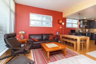 Photo 10: 105 373 Tyee Road in Victoria: Row/Townhouse for sale