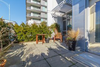 Photo 4: 105 373 Tyee Road in Victoria: Row/Townhouse for sale