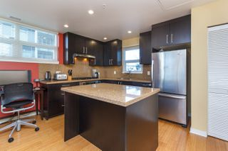 Photo 14: 105 373 Tyee Road in Victoria: Row/Townhouse for sale