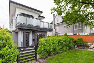 Photo 18: 210 E 18TH STREET in North Vancouver: Central Lonsdale House 1/2 Duplex for sale : MLS®# R2372911