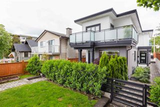 Photo 19: 210 E 18TH STREET in North Vancouver: Central Lonsdale House 1/2 Duplex for sale : MLS®# R2372911