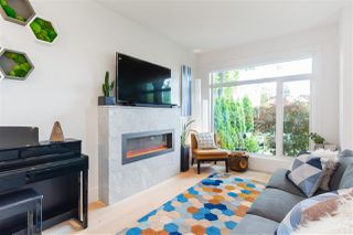 Photo 8: 210 E 18TH STREET in North Vancouver: Central Lonsdale House 1/2 Duplex for sale : MLS®# R2372911