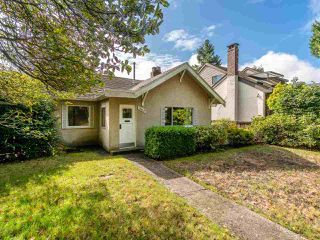 "Main Photo: 3962 W 30TH Avenue in Vancouver: Dunbar House for sale in ""DUNBAR"" (Vancouver West)  : MLS®# R2406879"