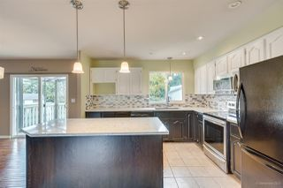 Photo 3: 1623 TAYLOR Street in Port Coquitlam: Lower Mary Hill House for sale : MLS®# R2435811