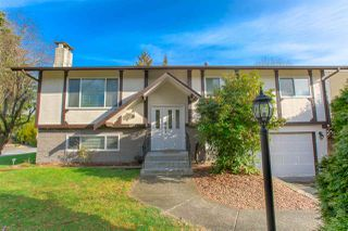 Photo 1: 1623 TAYLOR Street in Port Coquitlam: Lower Mary Hill House for sale : MLS®# R2435811