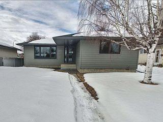 Main Photo: 3724 118 Street in Edmonton: Zone 16 House for sale : MLS®# E4190092