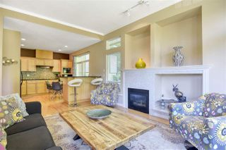 Photo 5: 8 MOSSOM CREEK Drive in Port Moody: North Shore Pt Moody House 1/2 Duplex for sale : MLS®# R2469801