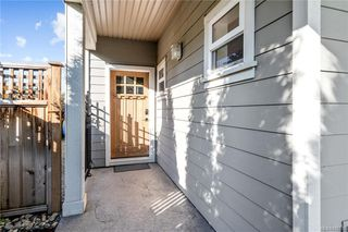 Photo 4: 960 Colbourne Gdns in : La Glen Lake Single Family Detached for sale (Langford)  : MLS®# 845495