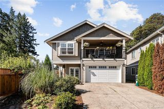 Photo 2: 960 Colbourne Gdns in : La Glen Lake Single Family Detached for sale (Langford)  : MLS®# 845495