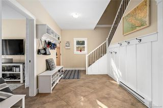 Photo 7: 960 Colbourne Gdns in : La Glen Lake Single Family Detached for sale (Langford)  : MLS®# 845495