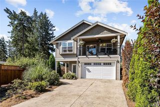 Photo 1: 960 Colbourne Gdns in : La Glen Lake Single Family Detached for sale (Langford)  : MLS®# 845495